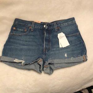 Levi 501 denim shorts. NWT!